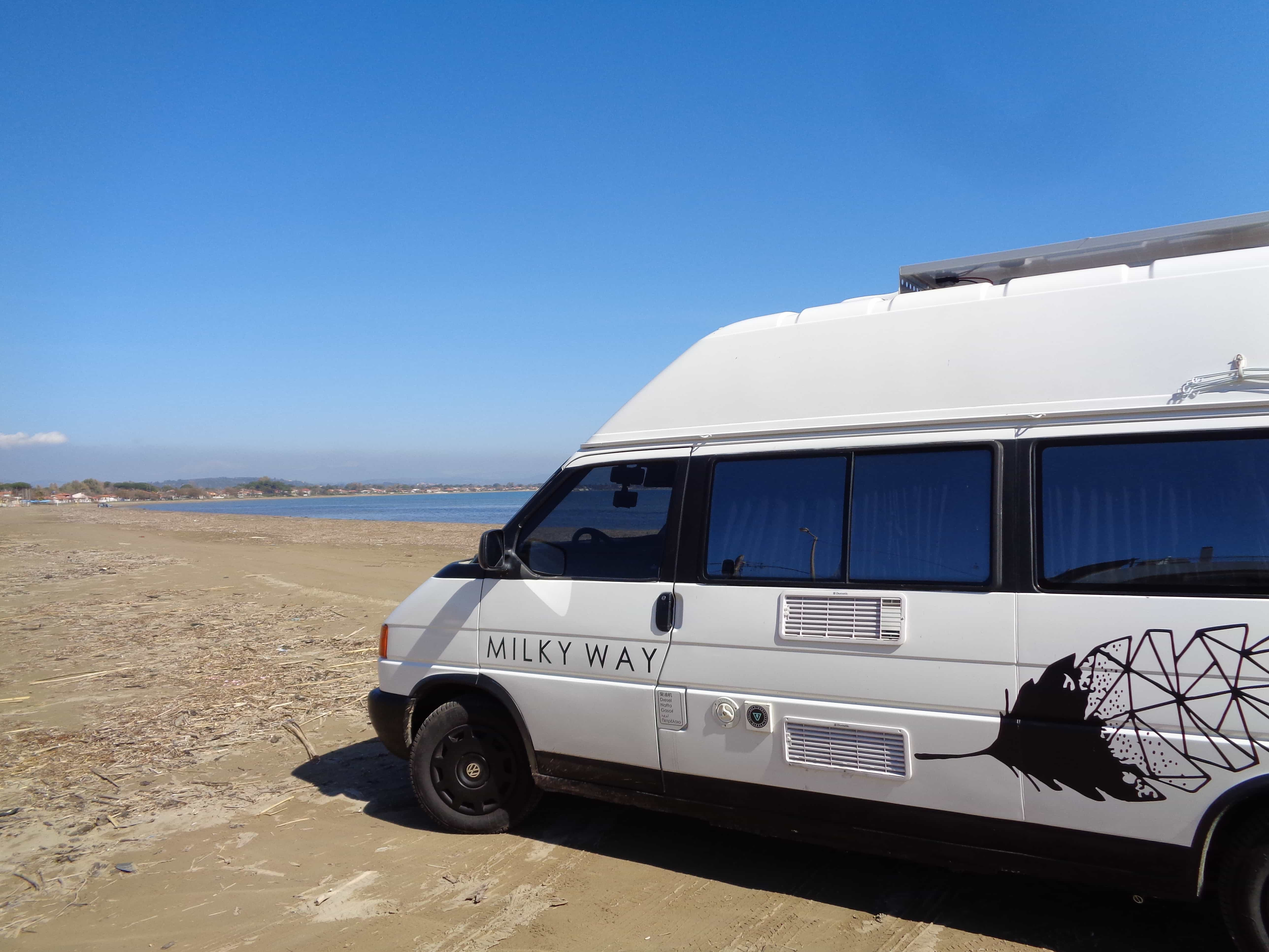 W Ultra VW T4 California - Lunatrips RVs & Campers Network LU13